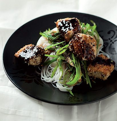 Sesame chicken and noodle stir-fry with Asian sauce