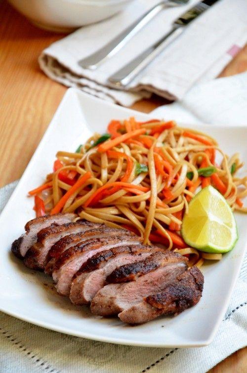 Kínai öt fűszeres kacsamell zöldséges soba tésztával
