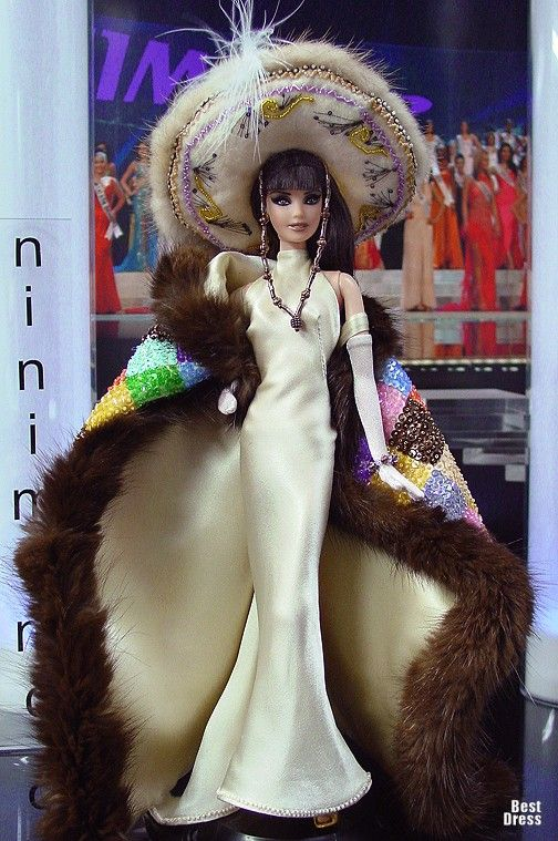 Ninimomo's Barbie.  Americas (North, Central, South).  2009/2010  Miss Peru (Dress Gaultier)