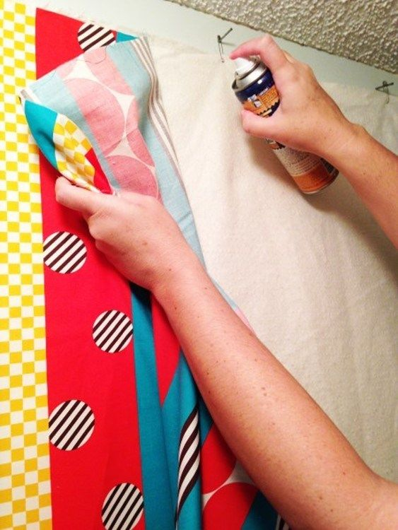Learn how to put your quilt sandwich together using wall basting. Easy to do and a great technique so you don't have to bend over! Come give it a try.