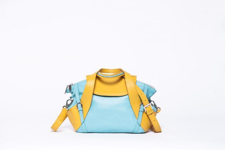 A nagyméretû Gym táskánk kistestvére, amibe szintén minden belefér, amire egy nõnek szüksége lehet. Felül mágneszárral záródik a fedele, hogy a nyitott cipzár esetén is biztonságosan tudjuk hordani,...