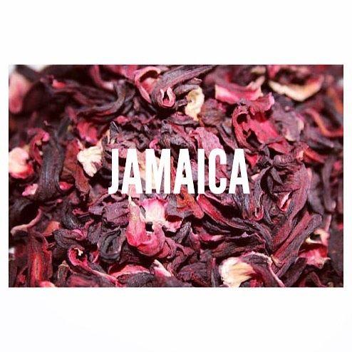 Jamaica!!  Conocida comúnmente como: flor de Jamaica rosa de Jericó o flor roja el nombre científico es hibiscus.  Originaria de la India.  La cosecha del cáliz de la flor se usa para obtener vinos conservas refrescos artesanales con canela y mermeladas.  Se le atribuyen diferentes propiedades relacionadas con el manejo de cálculos renales cistitis dolor de estómago estreñimiento baja niveles de colesterol y controla la presión arterial.  Contiene alta cantidad de vitamina C. Cada 100 mg de…