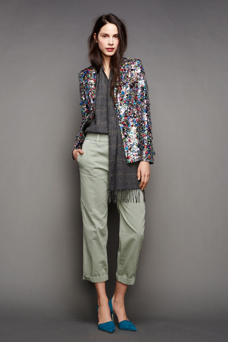 30 Little Style Lessons To Learn From J.Crew #refinery29  http://www.refinery29.com/2015/02/82440/jcrew-fall-ny-fashion-week-2015#slide-27  We're all about that half-tuck.
