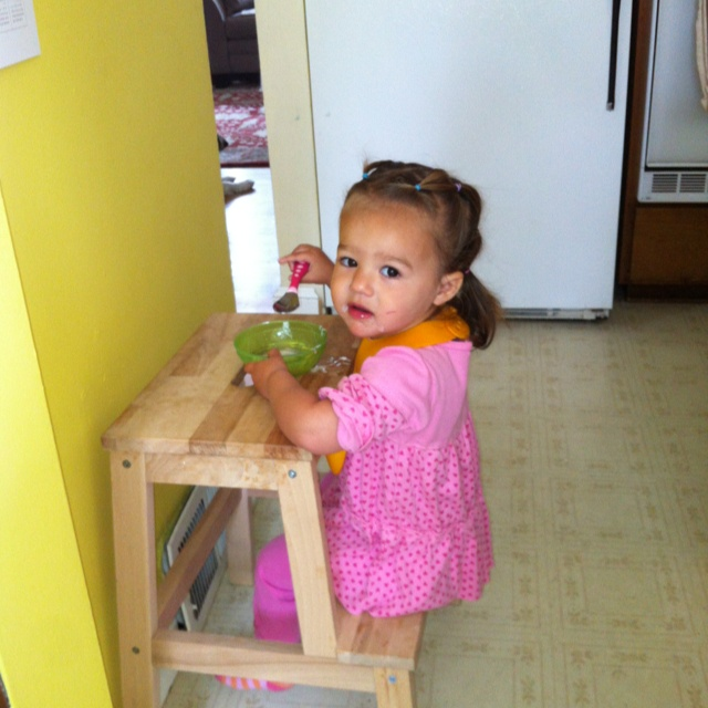 Ikea stool toddler snack table genius kid for Snack table ikea