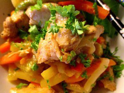 Tinskun keittiössä: Helppo ja nopea kookos- kana- kasviswokki