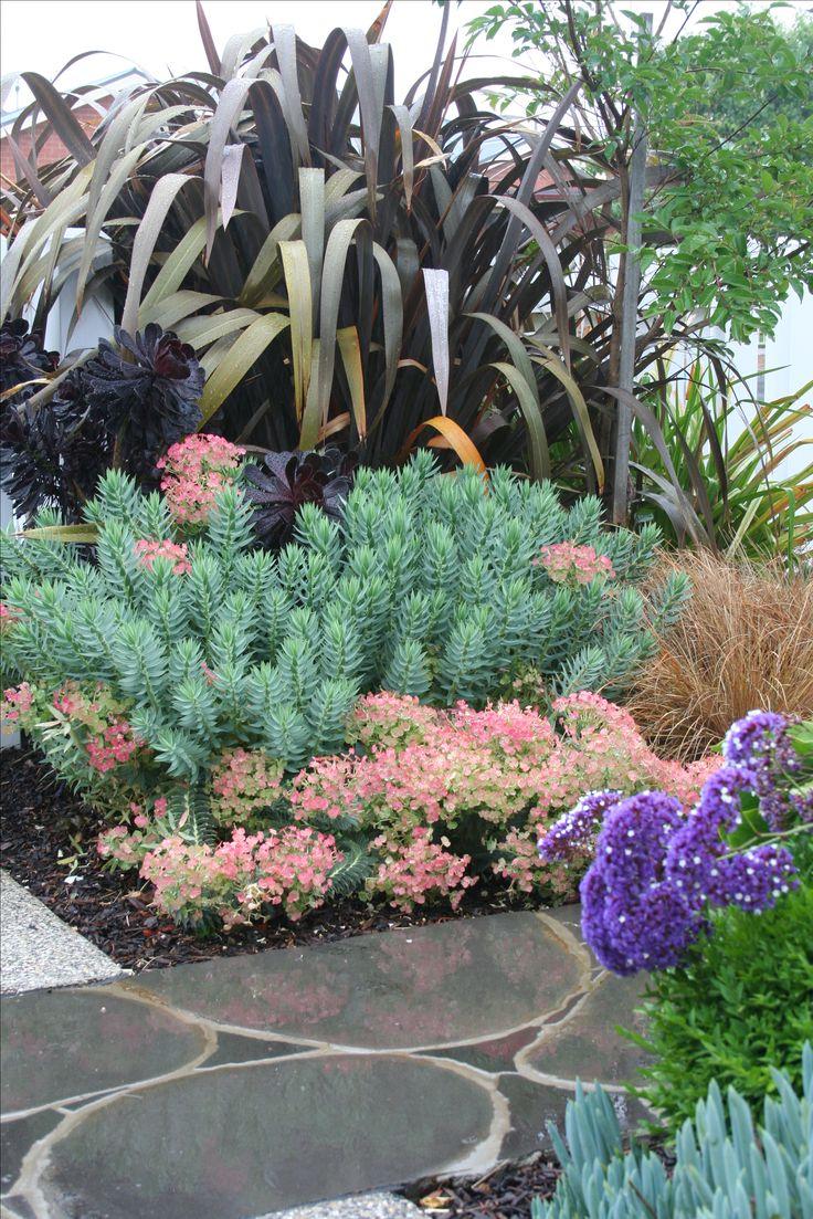 Random bluestone paving.Foliage colour & texture. www.rpgardendesign.com.au