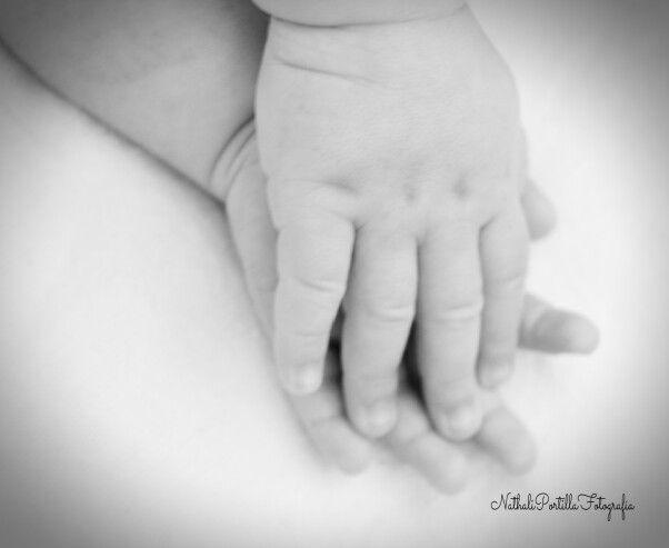 Un amor a Blanco y Negro= Paloma Lopez Figueroa #1mes #fotografía  #nathaliportillafotografía #photo #photooftheday #babygirl #baby #photography #photobook