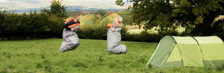 Three seasons sleeping bag with a hollowfibre filling and polyester outer. This bag is 190cm long and comes in either a plain design or patterned, please select from the drop down list the one you require.The sleeping bag comes complete with draw string storage bag.