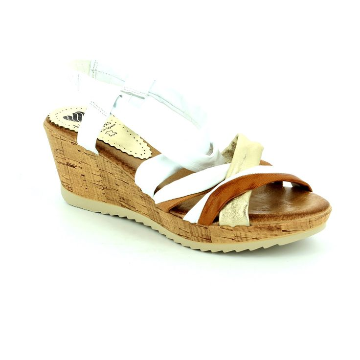 Get new summer sandals this season. These gorgeous neutral toned coloured leather sandals are made in brazil. With their wedge heel they are a must have! Buy your wedge sandals online now from www.beggshoes.com
