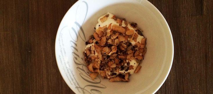 Easy Banting Granola. Breakfast on the go.