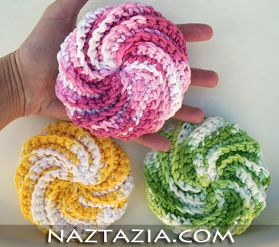 Pretty scrubbies.  Website links to here for pattern: http://crochetpatternsonly.blogspot.com/2009/06/spiral-scrubbie.html (but I like pic on her website better)