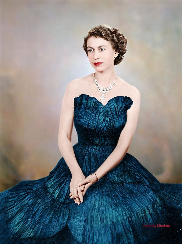 Queen Elizabeth II--love the colours!