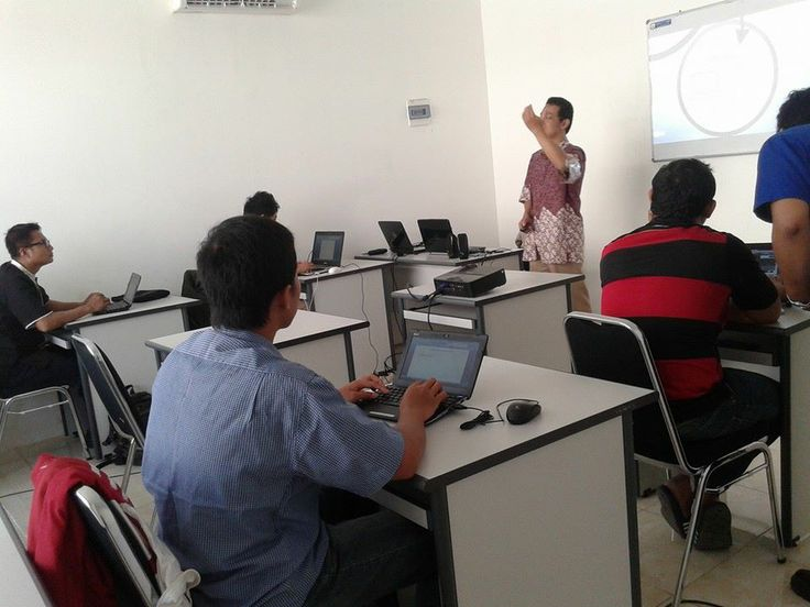 Pelatihan Internet marketing angkatan 2, dilaksanakan selama 3 hari tgl 30,31 Mei dan 1 Juni 2014 di Ruang Pelatihan Raditya Komputer  http://radityakomputer.com/