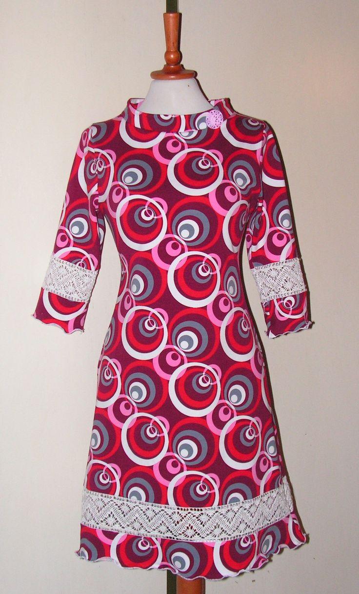 Jersey dress  Retro style med kniplede blonder. Følg mig på Facebook https://www.facebook.com/Doris-Vestergaard-Design-110763765613494/?ref=bookmarks