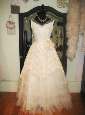 Love My Dress /Wedding Blog - Vintage Wedding Dress:Fur Coat No Knickers...