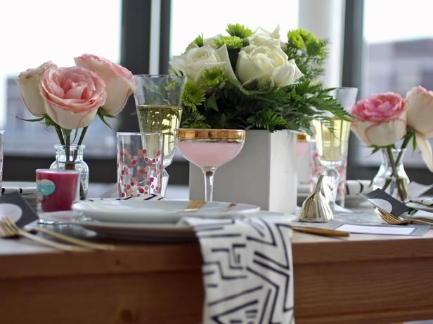 Try adding Pink Grapefruit accents to your Valentine's Day table! (http://blog.hgtv.com/design/2014/02/05/hgtvs-february-color-of-the-month-pink-grapefruit?soc=Pinterest): Advice Ideas, Decor Tips, Tables Sets, Photos Ideas, Dinner Parties, Modern Valentines Day Decor, Brunch Parties, Parties Ideas, Dinners Parties