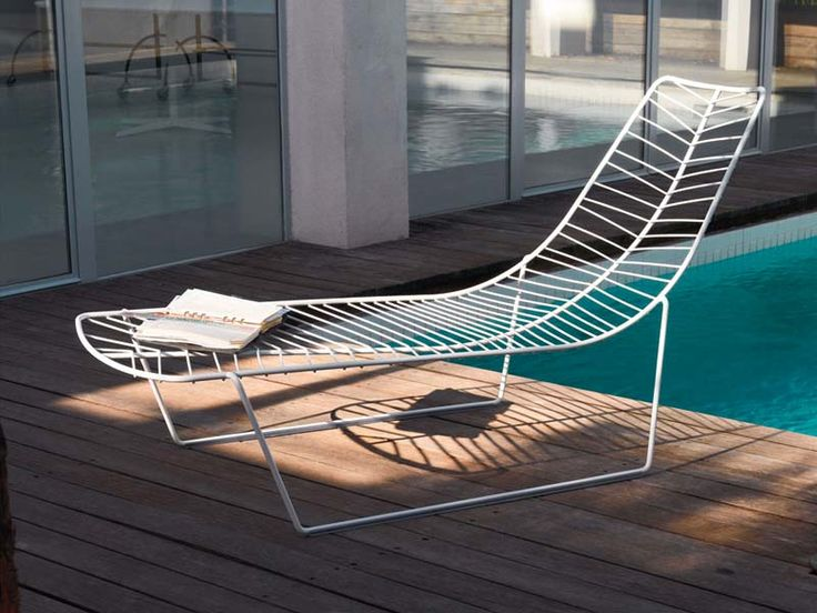 17 best leaf chair images on pinterest chairs backyard for Arper leaf chaise lounge