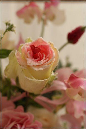 【今日の贈花】Flower noteのフラワーバレンタイン(ピンク) http://ameblo.jp/flower-note/entry-11990404886.html