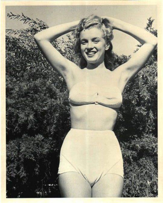 Norma Jeane for The Blue Book Model Agency. Photo by Joseph Jasgur, 1946.