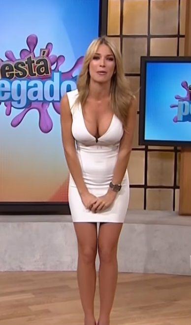 Alessandra Ambrosio | Hot newswomen | Pinterest | Alessandra ambrosio and  Skin tight