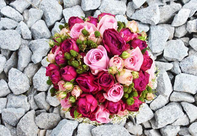 Ein #Brautstrauß Traum in #beere #pink und #rosa #bridalbouquet #bride #weddinginspiration