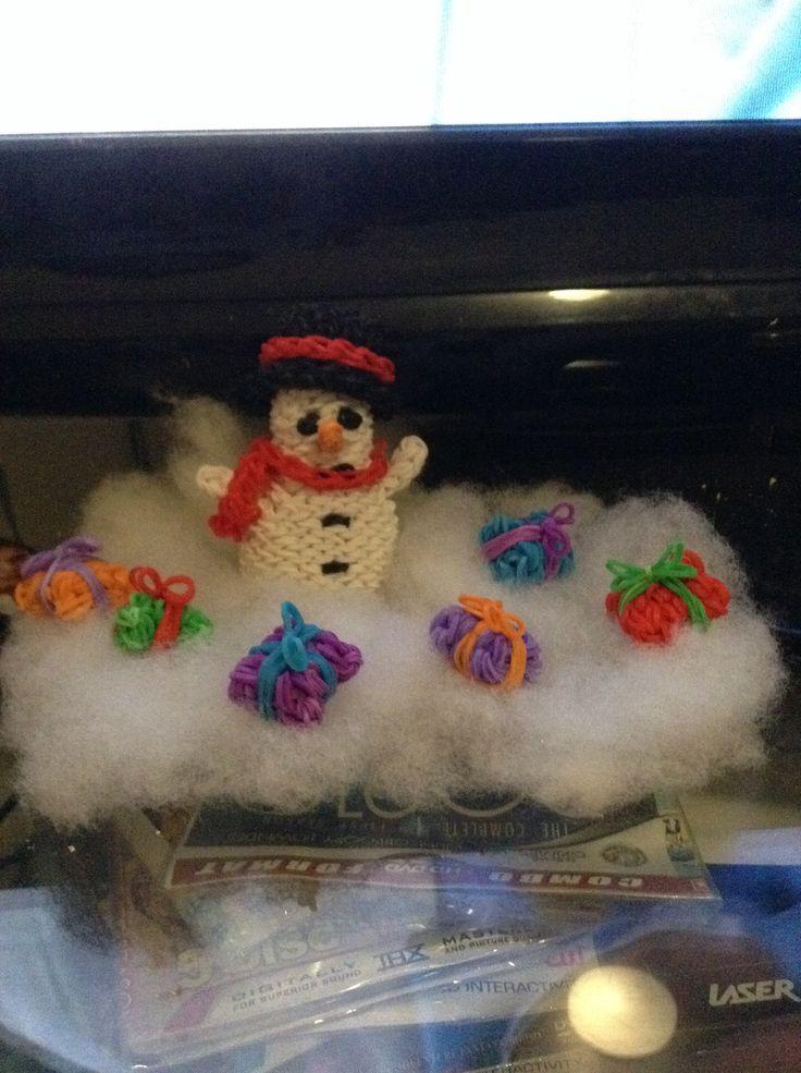 Fun looms Mr Snowman and Loom presents.