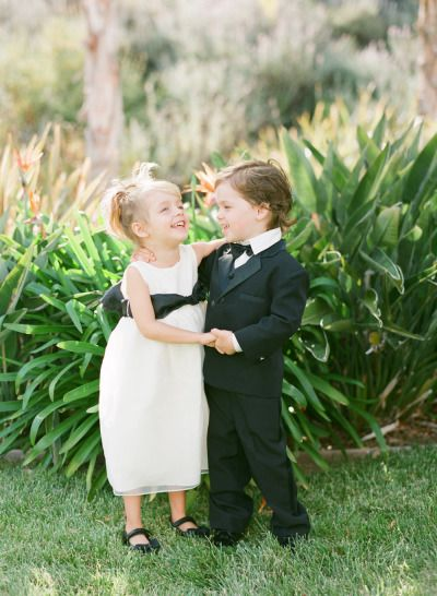 These cuties: http://www.stylemepretty.com/2015/05/26/black-white-gold-outdoor-glam-wedding/ | Photography: Diana McGregor - http://www.dianamcgregor.com/