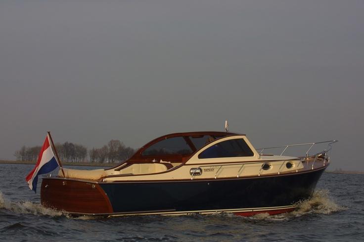 Rapsody 33 ft. Offshore Cabrio