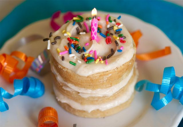 birthday cake from a tin can! And a recipe for homemade marshmallows!!!: Fun Recipes, Cake Recipe, Mini Cake, Birthdays, Minis, Tin Cans, B Day Cake, Birthday Cakes