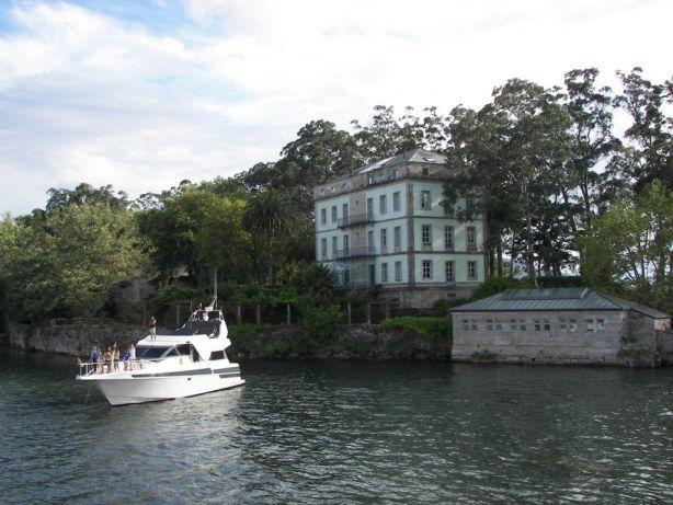 Isla de San Simon http://planetatour.wordpress.com/2013/09/25/isla-de-san-simon/