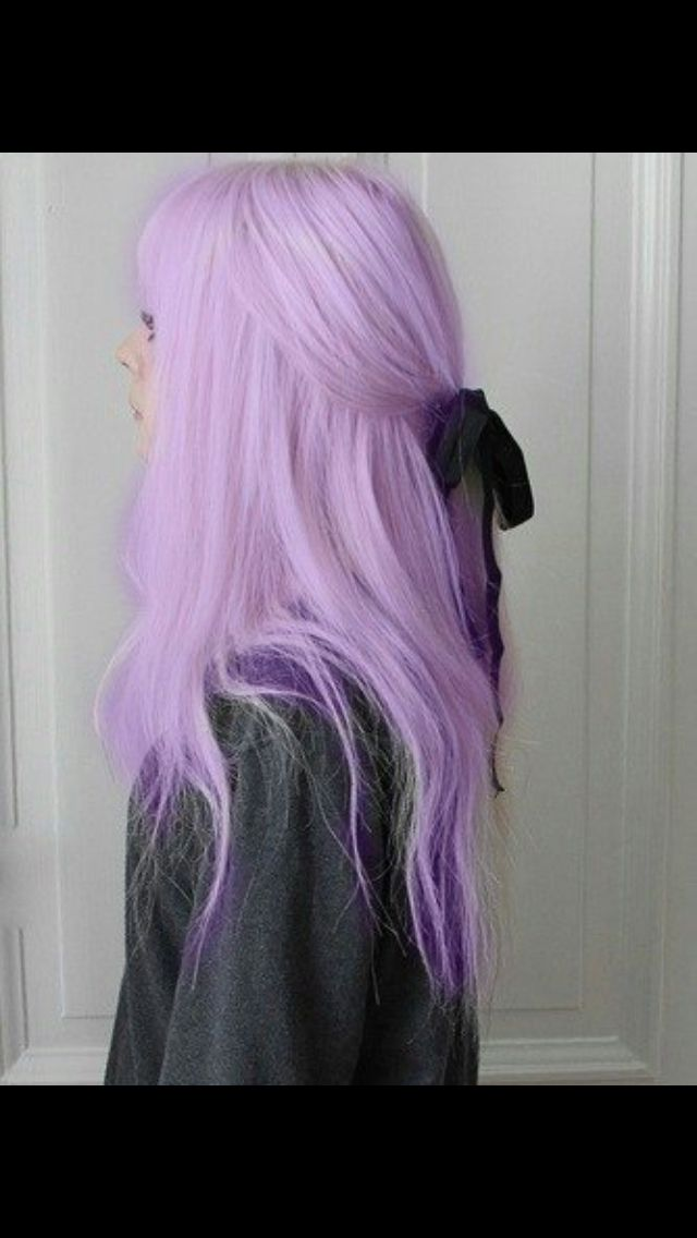 I know it's photoshopped and I know it's only bad photoshopping that makes it look this way but PASTEL PURPLE WITH DARK PURPLE UNDERNEATH!