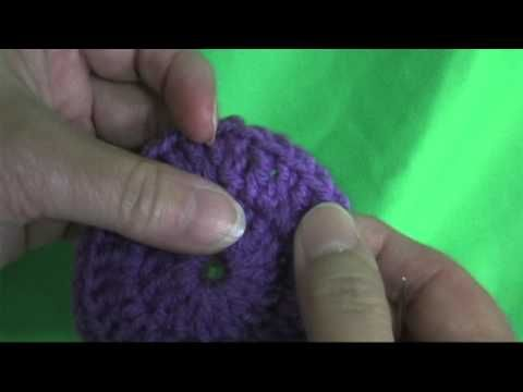 A invisible join (finish off) when crocheting in the round. This method is similar to the Sarah London's one (here: http://sarahlondon.wordpress.com/2009/08/10/seamless-symmetrical/), but a little bit different.