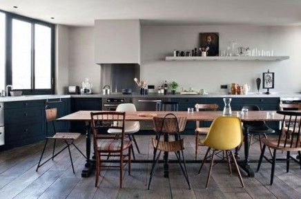 Dining-room#kitchen#mix&match#chairs#table#wood#yellow#grey#white#vintage
