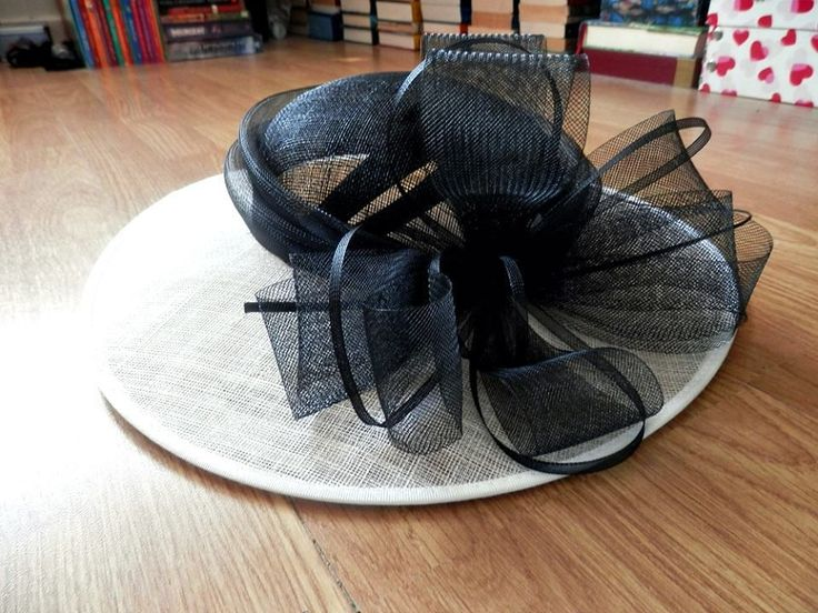 Debenhams Hat Box Headband Hat Wedding White/Black NEW http://www.ebay.co.uk/itm/Debenhams-Hat-Box-Headband-Hat-Wedding-White-Black-NEW-/271563288069?pt=UK_Hats&hash=item3f3a6eee05
