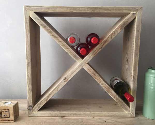 Steigerhouten wijnrek van de Houtshop. deHoutshop kwaliteitsmeubels van steigerhout, sloophout en pallethout voor huis en tuin.