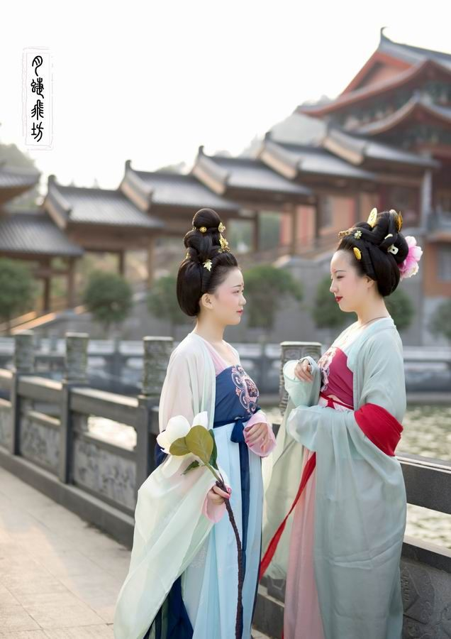 人類中心之國唐朝服飾   Tang Dynasty Costume of humankind's Central Empire      #Hanfu #TangDynasty #TangHanfu #TangDynastyHanfu #China #Chinese #Chinesehanfu #ChinaHanfu #ChineseCostume #ChinaCostume #TangChinaCostume #TangDynastyCostume #唐朝 #中國 #唐朝漢服  #漢服 #神傳文明 #天朝服飾  #服飾 #DivineLand #HeavenlyCostume #DivineHanfu #Costume #Goddess#God #Gods #Heaven #Divine #TheCenter #Center #TheTop #Top