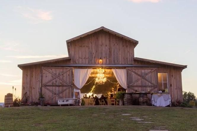 Farm and barn weddings: Getting hitched, rustic-style