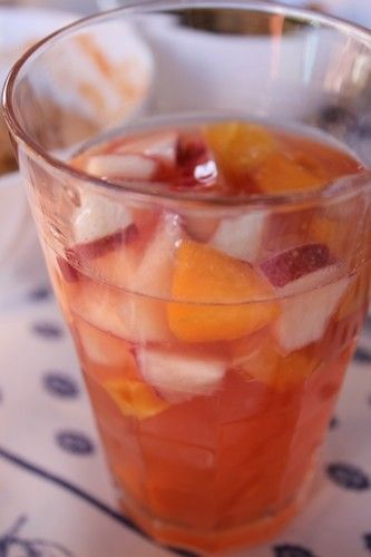 Sangria rosée aux fruits d'été