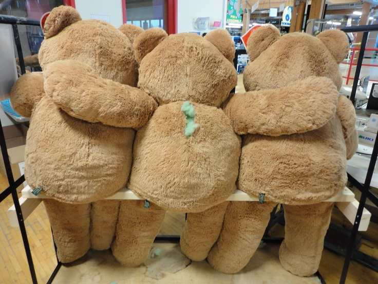 Big Hunka Love Bears are best buds!