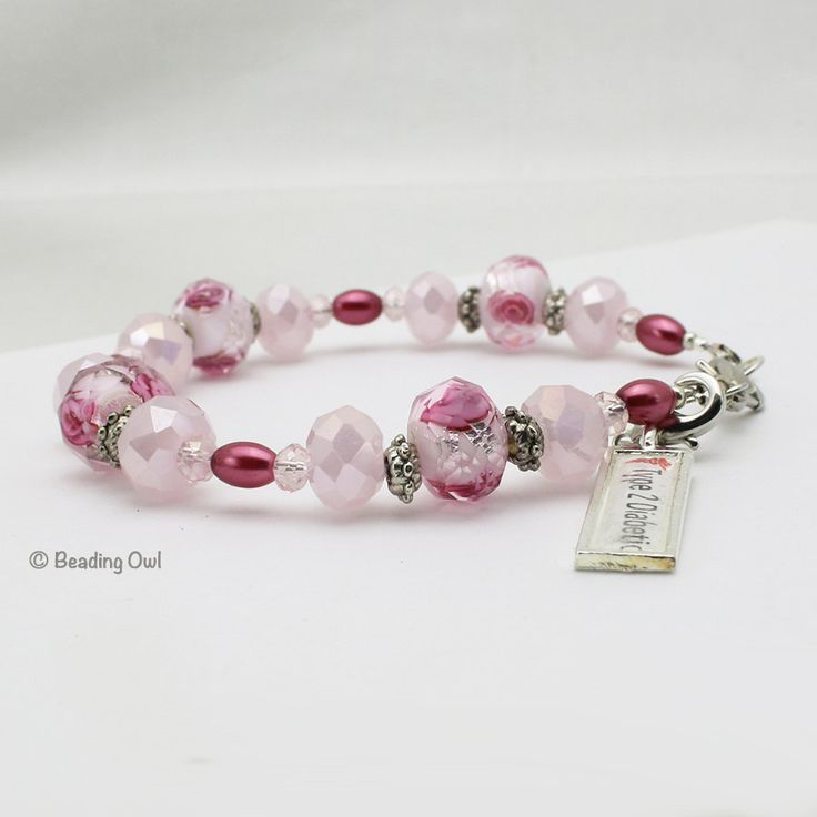 Medical Alert Bracelet, Rose Pink with Clip-On Charm / Pulsera de identificación médica diabética Rosada by BeadingOwl on Etsy