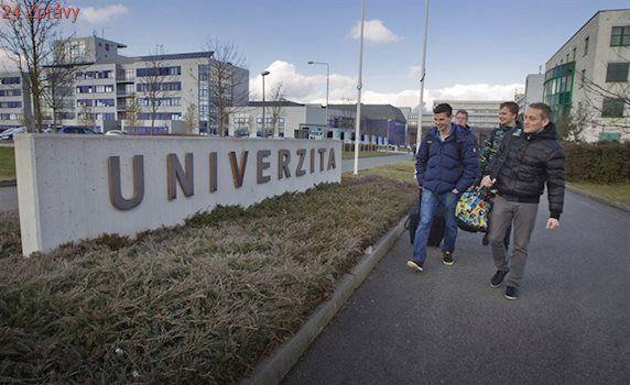 Přibude učitelů i sester, univerzita bude moci přijmout více uchazečů