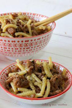 Fideos con carne y salsa Teriyaki