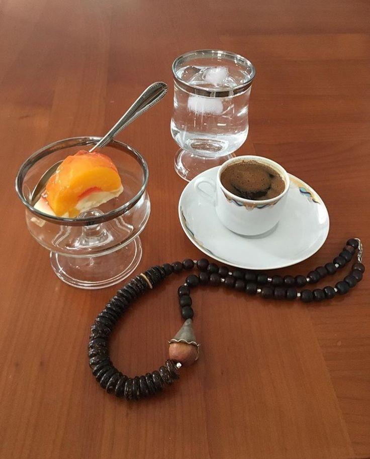 Ελληνικός καφές και με γλυκάκι! (ΚΤ) φωτό (ΚΤ)