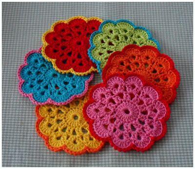 coaster crochet (http://karinaandehaak.blogspot.nl/2012/07/onderzetter-1893-patroon.html)