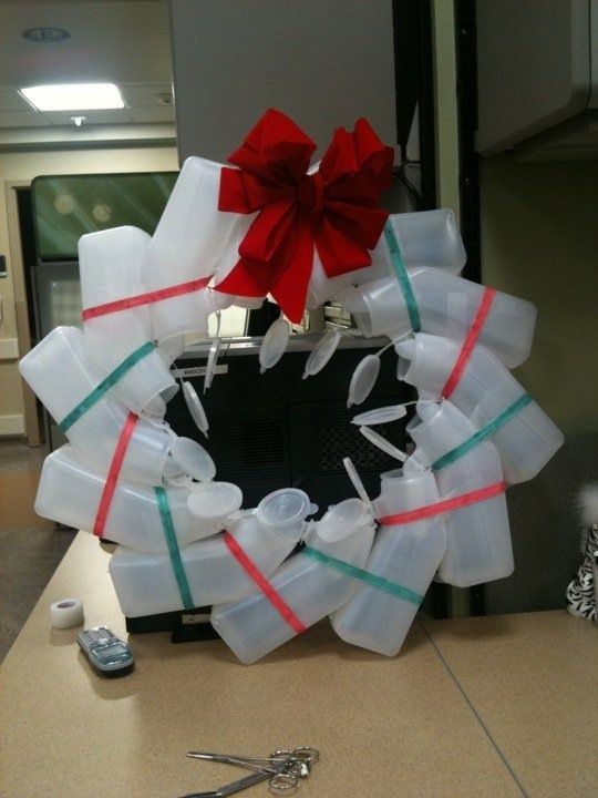 nursing wreath I need to live close to you so I can make you funny things like this lol