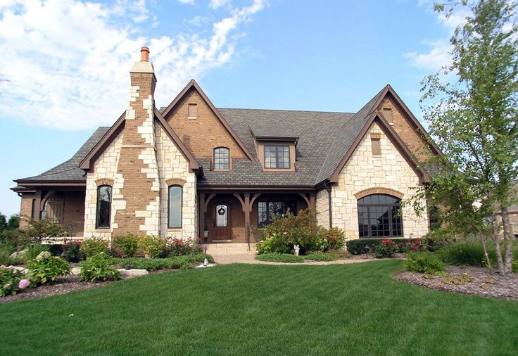 In my opinion dongrafconstruction.com are the best custom home builders in Chicago. The company has professional and expert staff for providing the best services of home building in Chicago.