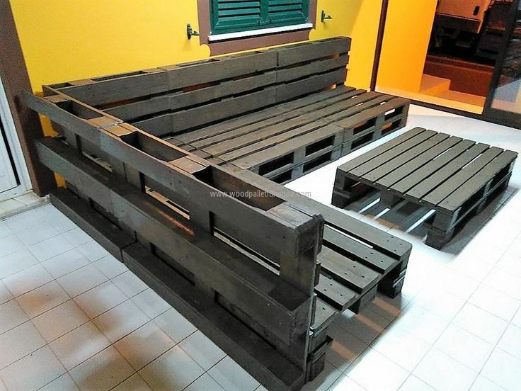 View the recycled wooden pallet sofa set from the back, you can also see another idea of making the table with the benches. This idea can be copied for the home as well as for a recreational place if a person is planning to open a new place for giving a chance of enjoying to others.