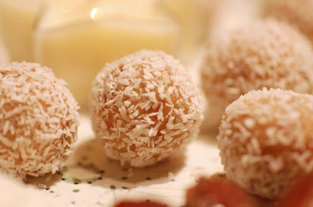 fabol: Kokos Cashew Vanille Kugeln