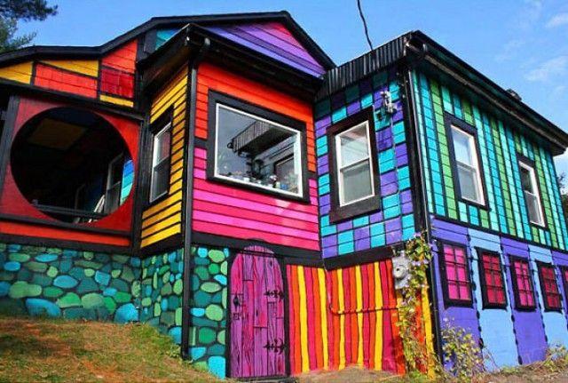 15 din cele mai frumoase case colorate din intreaga lume- Inspiratie in amenajarea casei - www.povesteacasei.ro