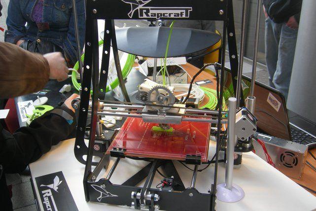 Polacy tworzą rewolucyjną technologię drukarek 3D. Od biżuterii po narzędzia, wszystko zrobisz sam w domu   NaTemat.pl